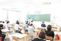学級懇談会の様子