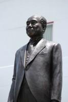 銅像 写真