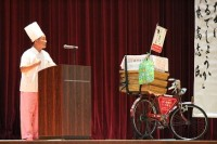 新本 氏と自転車