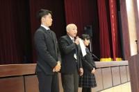 服装規定について、文徳中学校から高校に上がる生徒が見本となりました。